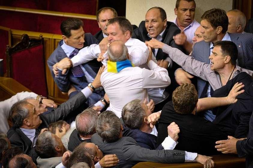 Шоу-бизнес захватывает украинскую Раду. Балаган будет не весёлый