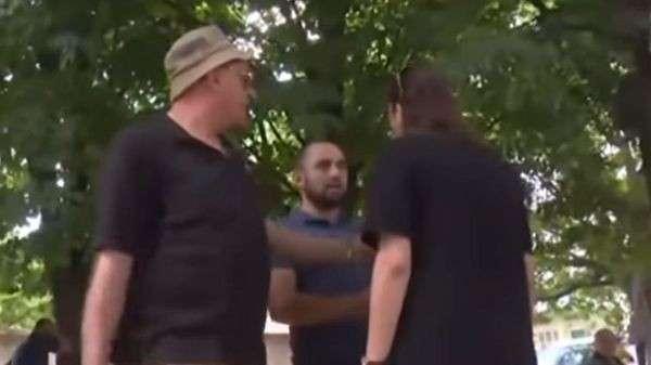 Опубликовано видео нападения на съемочную группу России 24 в Тбилиси