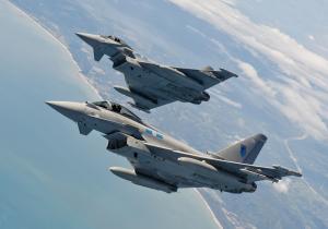 Два истребителя Eurofighter разбились в Германии после столкновения в воздухе