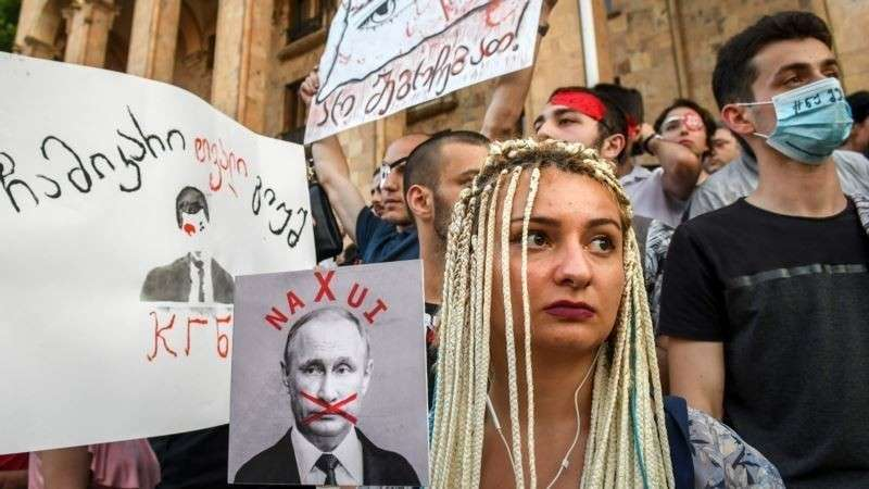 Грузия. Потери отельеров, протесты оппозиции и неприкрытая русофобия
