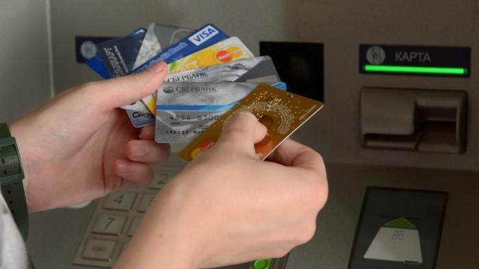 «Теперь не нужно искать банкомат»: Сбербанк запустил денежные переводы с кредитных карт