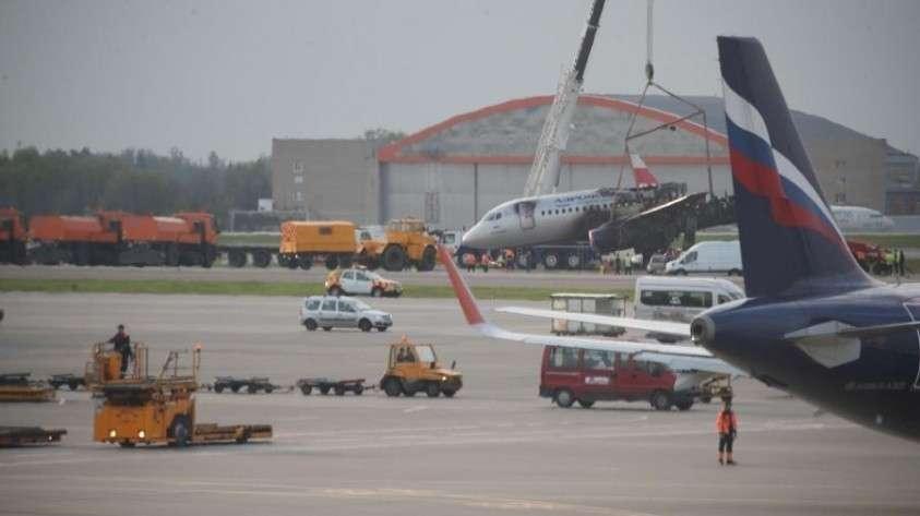 Управленцы «Аэрофлота» будут лишены премий из-за аварии самолёта SSJ-100