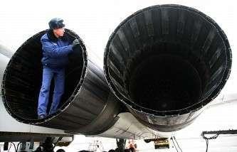 Подготовка стратегического бомбардировщика Ту-160 к полету