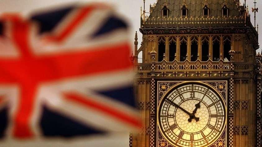 Кто принимает кокаин в туалетах парламента Британии?