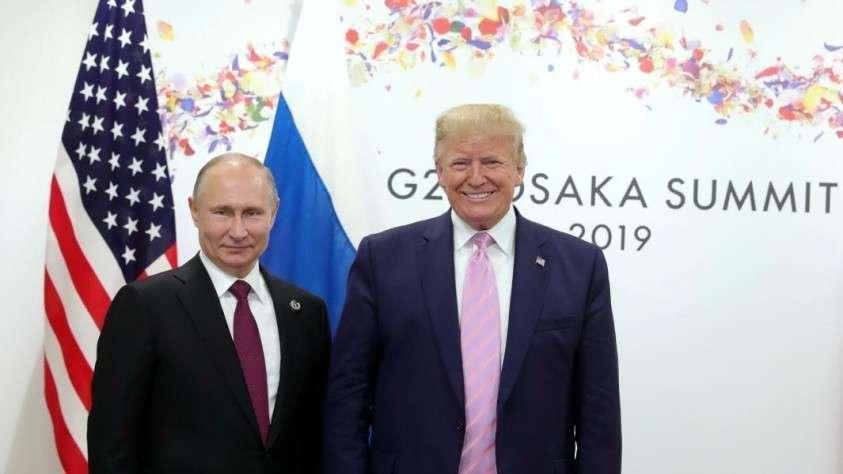 Путин и Трамп во время встречи на G20