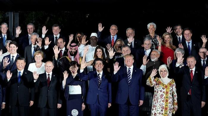 Совместное фотографирование лидеров стран G20 в Осаке