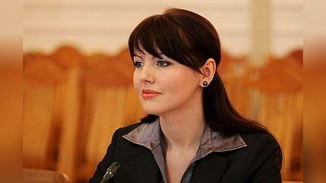 Министр-супермодель призывает Путина «завоевать её страну»