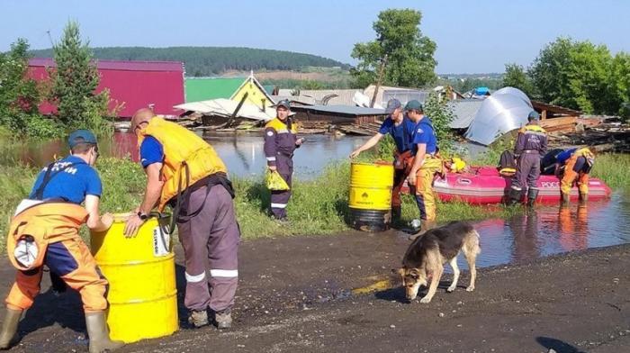 Владимир Путин поручил подключить армию к борьбе с паводком в Иркутской области