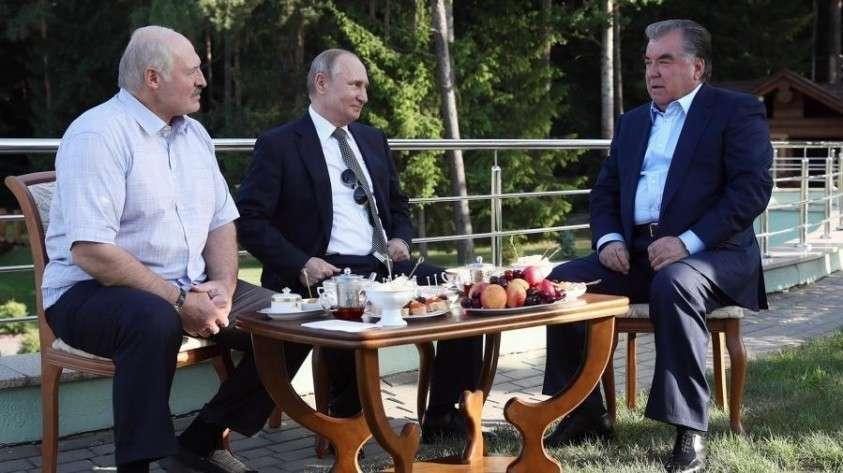 Владимир Путин провёл неформальную встречу с Лукашенко в Минске