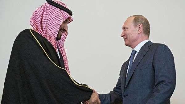 Президент России Владимир Путин (справа) и преемник Наследного принца, министр обороны Саудовской Аравии Мухаммед Бен Сальман