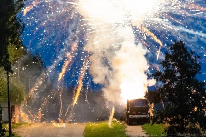Взрыввовремя салюта вМинске: выбиты стекла, есть погибшие