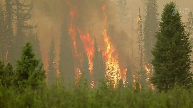 Между огнем и водой: на Иркутск обрушились две беды разом
