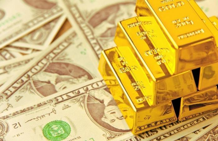 США: Россия разгоняет рост цен на золото, участь доллара будет печальна