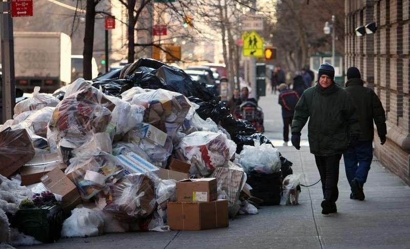 Американцам больше некуда вывозить свой мусор, которого США производят больше всех на планете