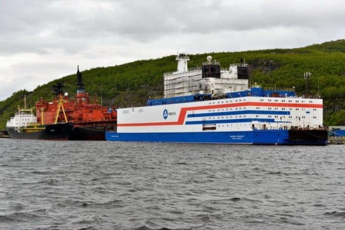 Плавучий атомный энергоблок «Академик Ломоносов» официально передан заказчику