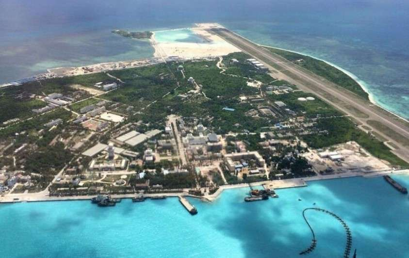 Китай на спорных территориях в Южно-Китайском море вовсю строит искусственные острова