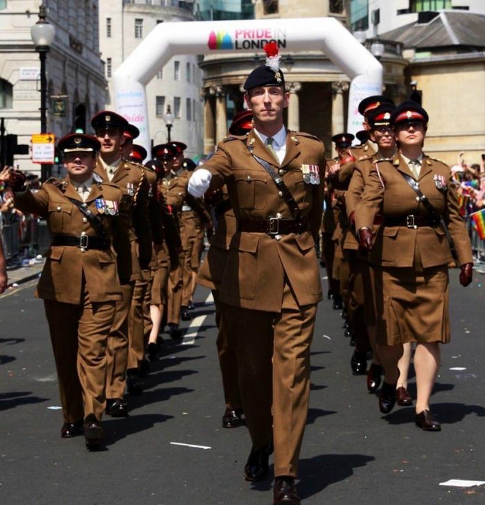 Английские военные смело приняли участие в параде ЛГБТ в Лондоне