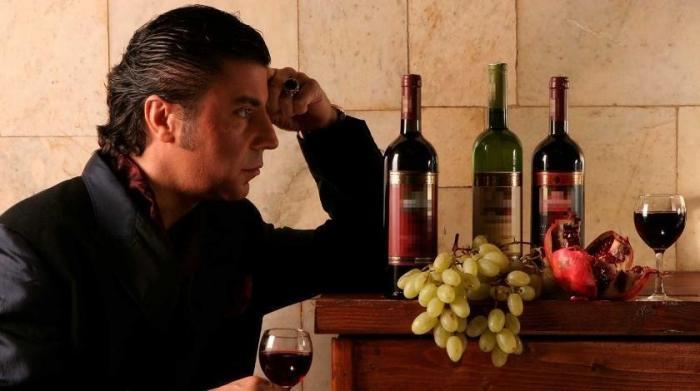 Россия прекращает поставки вина и воды из Грузии и ограничивает переводы денег в Грузию