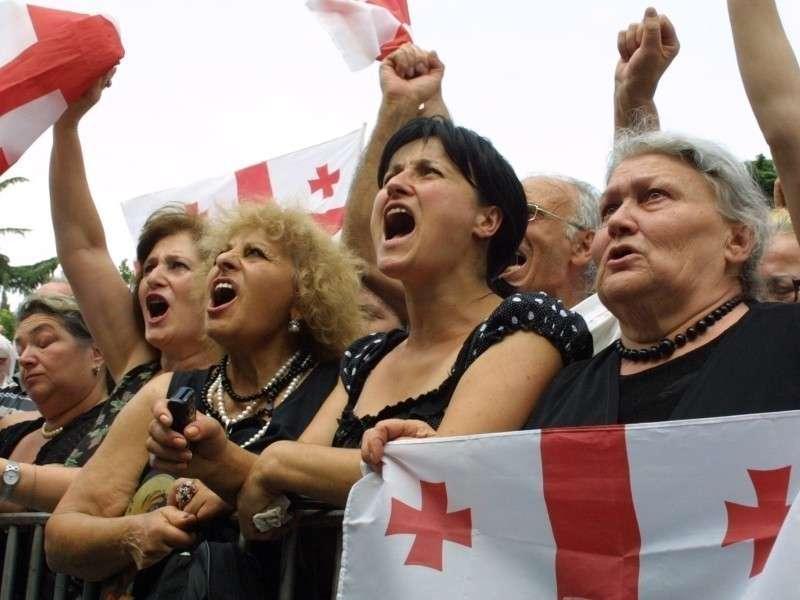 Глупая, упрямая Грузия делает себе харакири на радость врагам