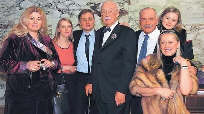 «Герой» из семьи Михалковых: почему дядя Никиты Михалкова служил в войсках СС?