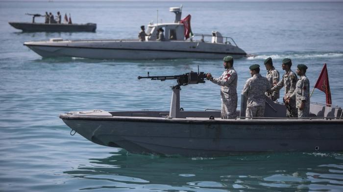 Иран продолжает борьбу, в этот раз военные Ирана пытались остановить британский танкер