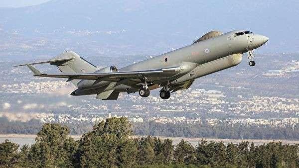 Самолет радиоэлектронной разведки британских ВВС Bombardier Global Express Sentinel R.1