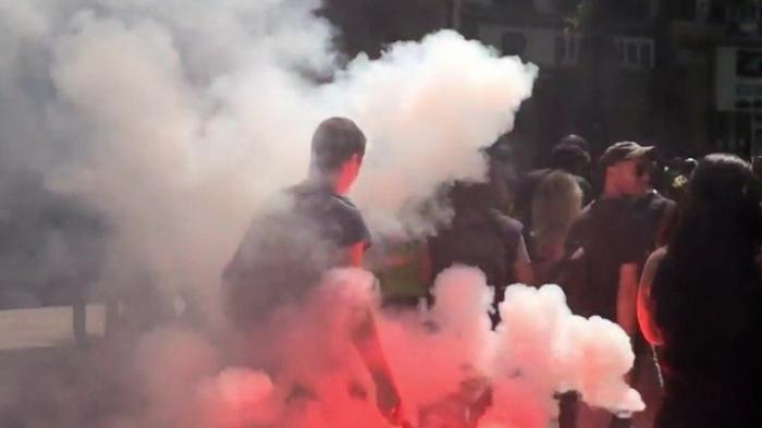 Бастилию зря брали: погромы в Париже сопровождаются поджогами