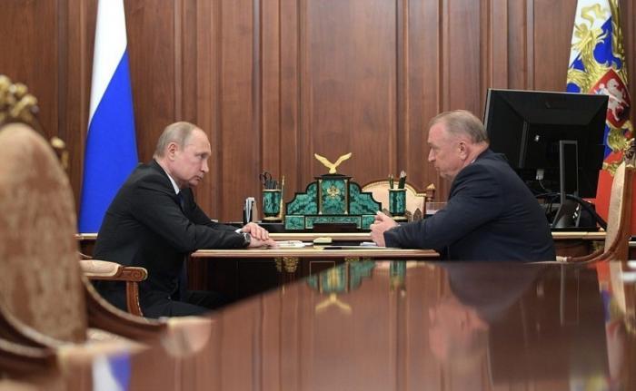 Владимир Путин обсудил сглавой ТПП Сергеем Катыриным поддержку семейного бизнеса в России