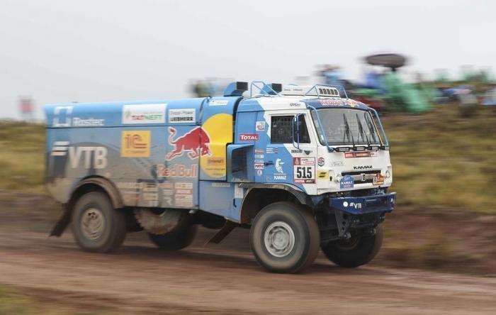 Триумф КамАЗов. Российские грузовики заняли весь подиум международного ралли «Шелковый путь»