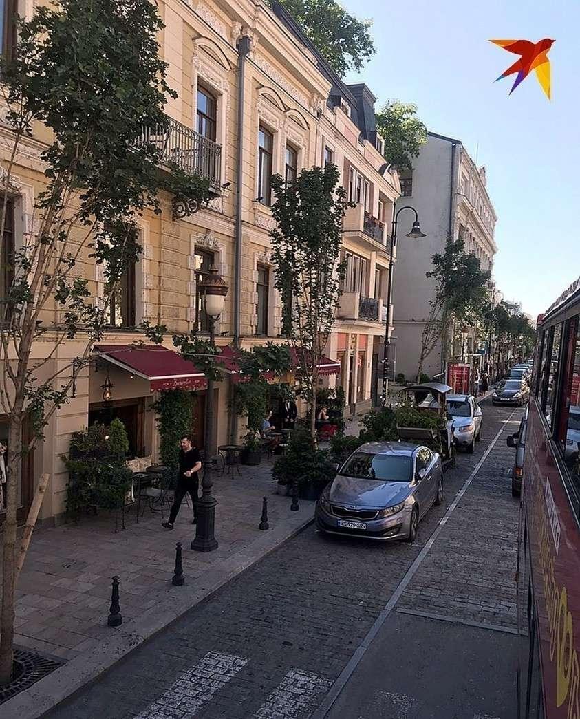 Исчезла русская речь с шумных улиц Тбилиси. Да и вообще они стали не такими уж и шумными Фото: Дина КАРПИЦКАЯ