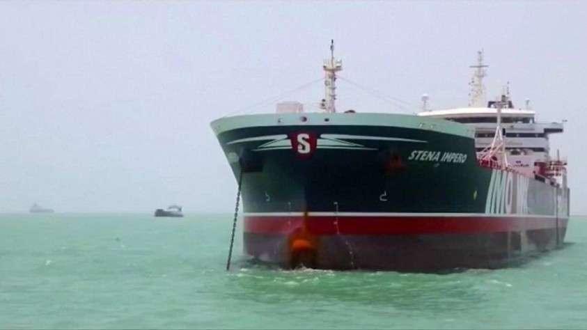 Британия готова ответить Ирану финансовым ударом за задержанный танкер