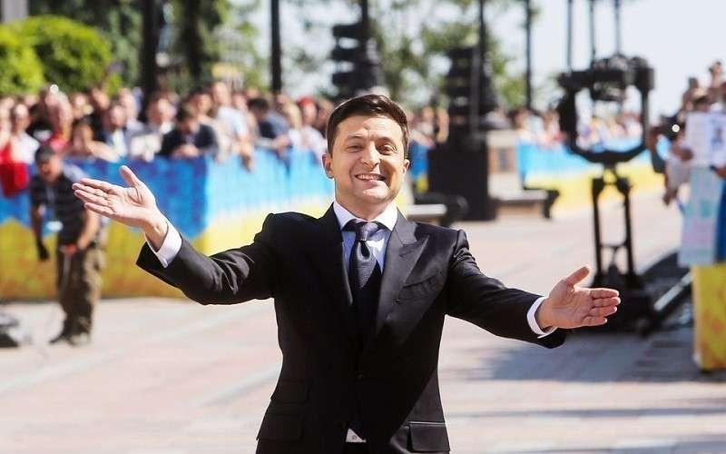Выборы на Украине: Зеленский ведет себя как царь! Но хоть «Славу Украине» с улиц убрали