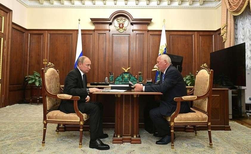 С генеральным директором государственной корпорации «Ростех» Сергеем Чемезовым.