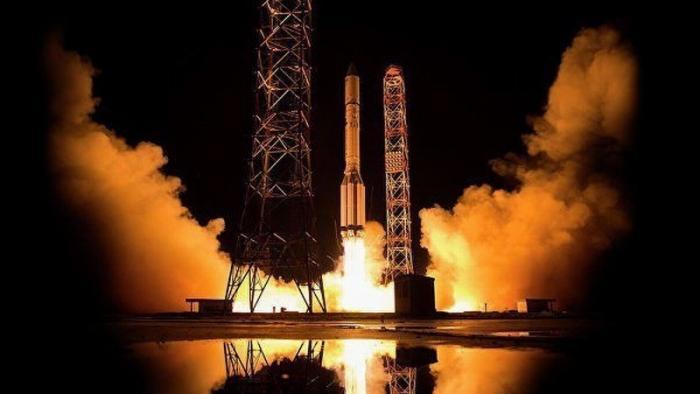 Самый мощный российский спутник связи «Ямал-601» введён в эксплуатацию