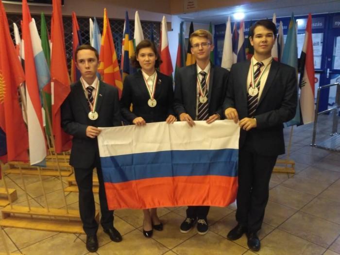 Все члены сборной России получили медали на Международной биологической олимпиаде в Венгрии