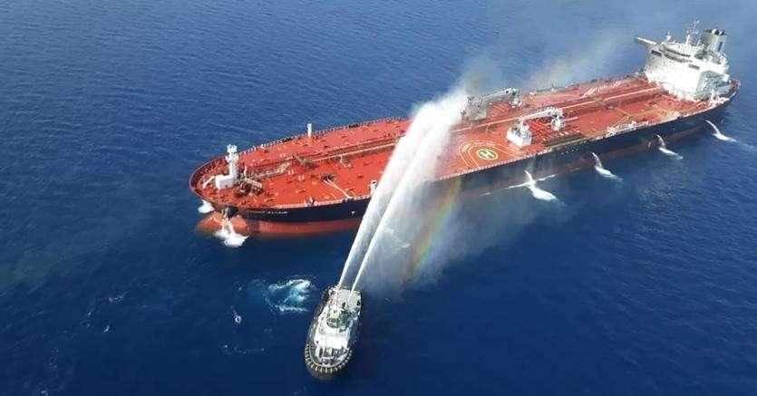 Британские пираты втягивают Россию в танкерную войну