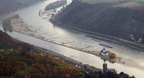 Река Рейн основательно шатает экономику Германии и Швейцарии