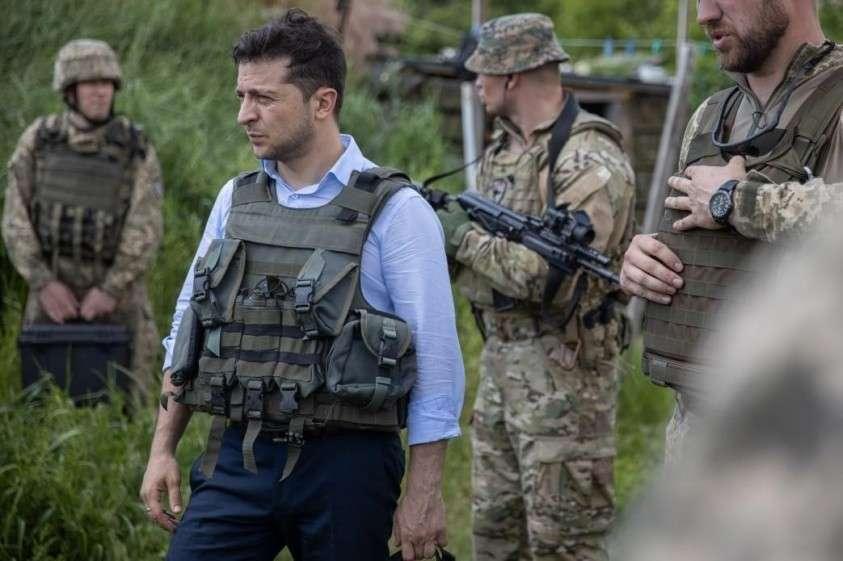 Жители Донбасса отправили Зеленскому страшную посылку