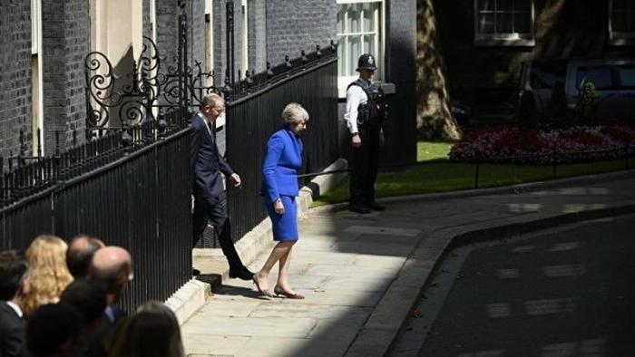 Тереза Мэй ушла в отставку с поста премьер-министра Англии