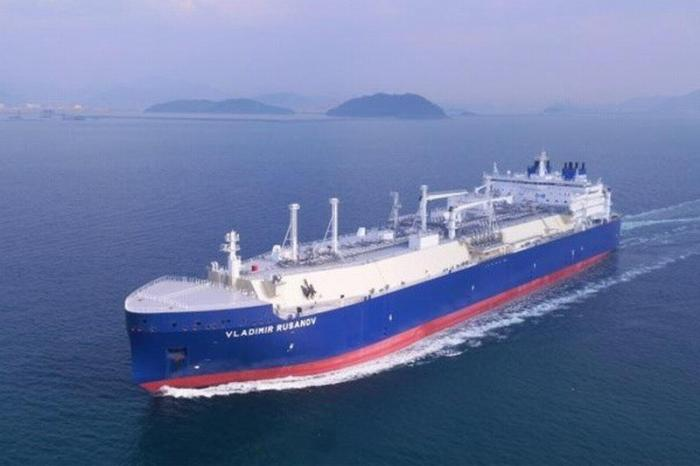 Ледокольный СПГ-танкер «Владимир Русанов» поставил новый рекорд прохождения СМП
