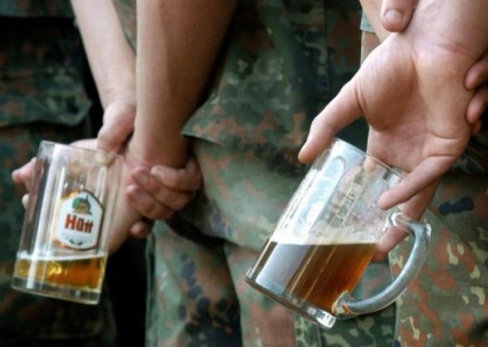 Как алкоголь губит американских военных – в бой под градусом
