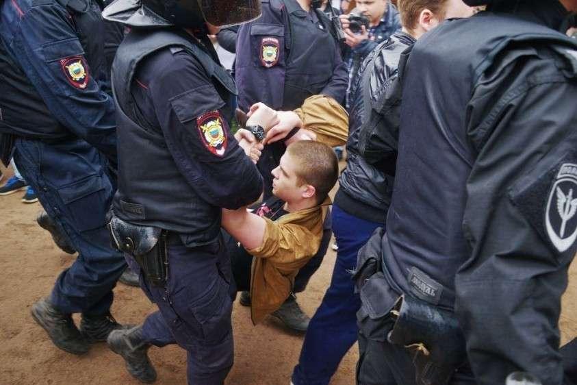 Жадержанных на митингах молодых людей будут отправлять в военкоматы