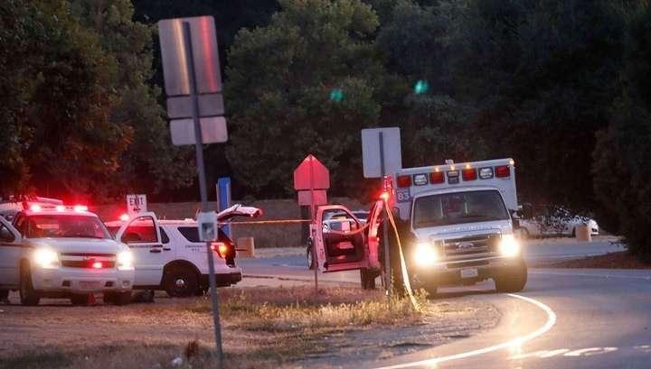 Расстрел в Калифорнии: трое человек погибли, преступник убит