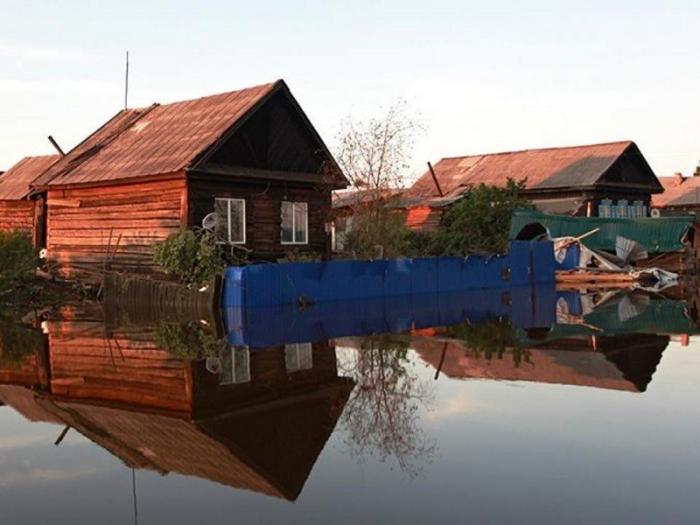 Наводнение в Иркутской области: в Тулуне начал снижаться уровень воды