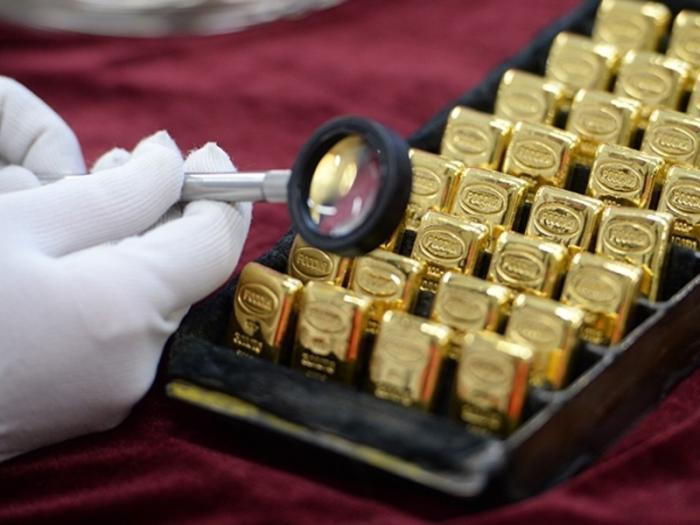 Россиянам предложат золото вместо долларов для долгосрочных вложений