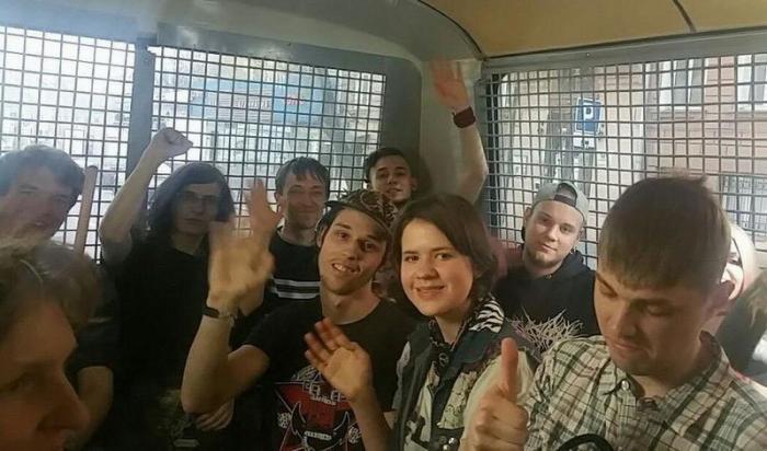 Арестован на незаконном митинге – распрощайся с иностранной визой!