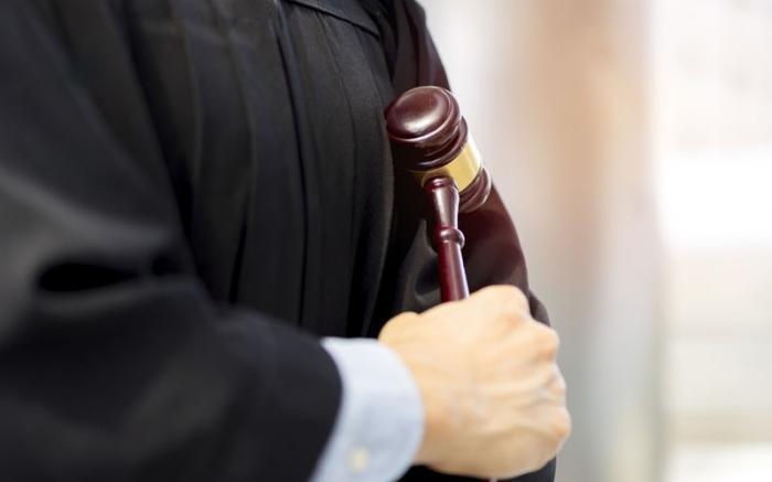 Арбитражного судью судят за участие в групповой афере в особо крупном размере