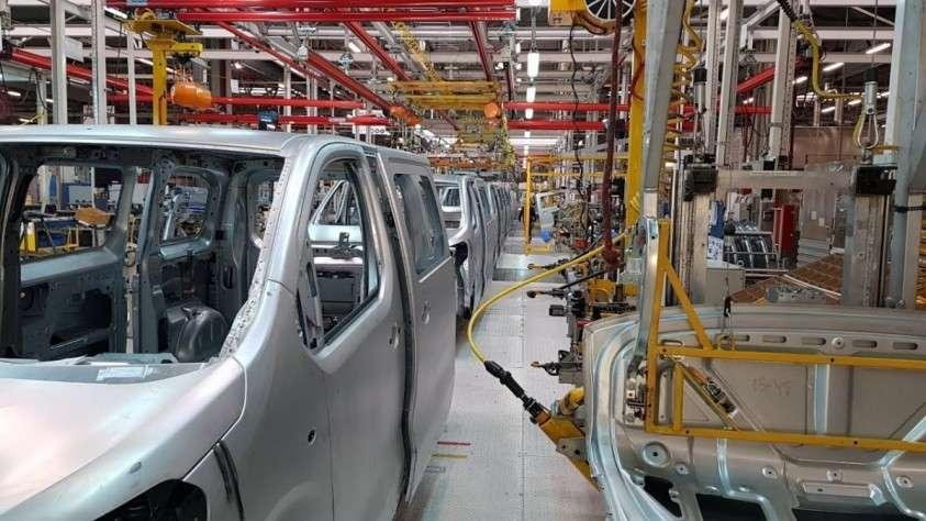 Калужский завод «ПСМА Рус» запустил полный цикл производства коммерческих фургонов