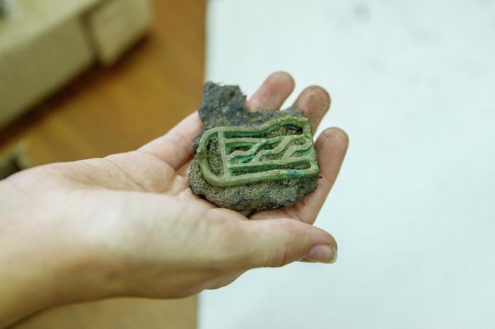В Красноярском крае в древнем могильнике нашли почти две тысячи артефактов