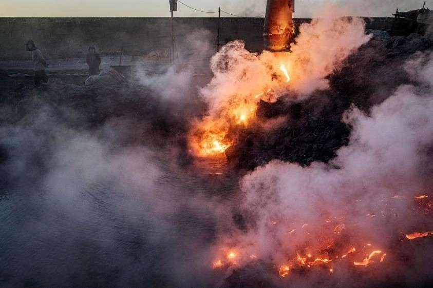 Подпольные сталелитейные заводы в Китае – это настоящий ад